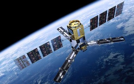 SMOS satellit over Jorden