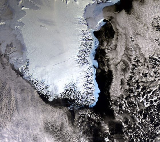 /english/-/media/Institutter/Space/English/research/climate_and_environment/ice_caps/greenland_esa_560.ashx